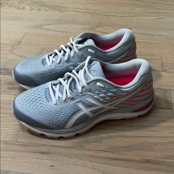 Asics Shoes | Asics Gel Cumulus 2 Size
